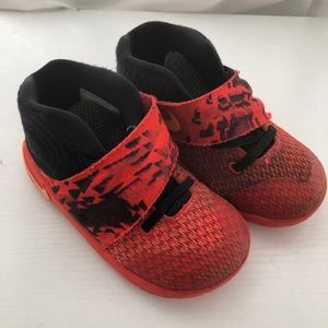 Nike Toddler Boy Sneakers Red with black size 8c